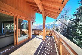 chalet-perle-megeve-balcony.jpg
