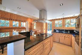 chalet-perle-megeve-kitchen.jpg